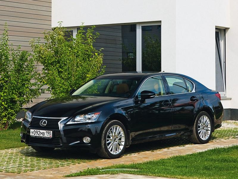 Lexus GS 2011 вид спереди