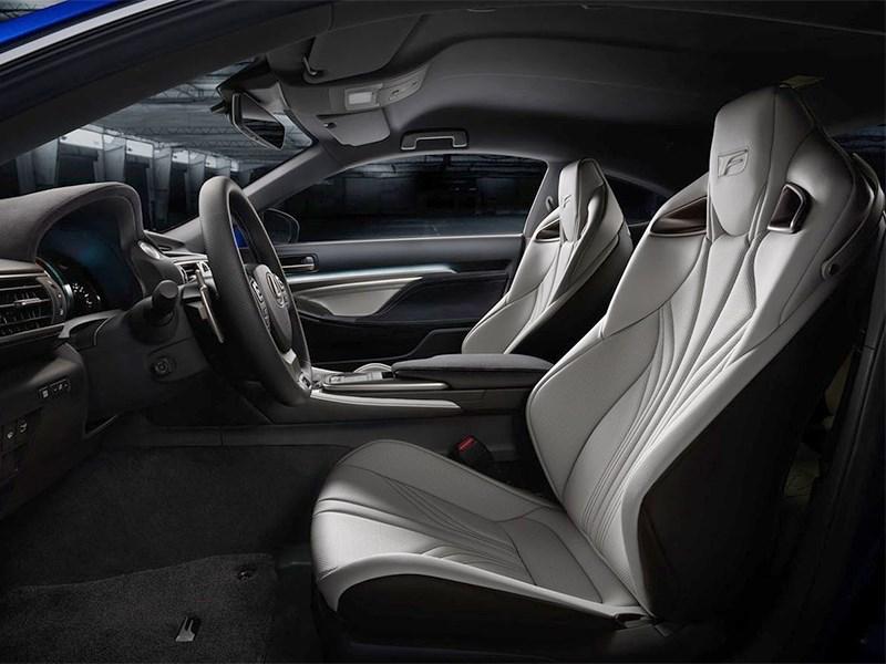 Lexus RC F 2014 передние кресла