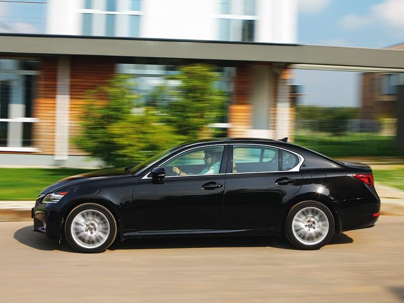 Lexus GS 2011 вид сбоку