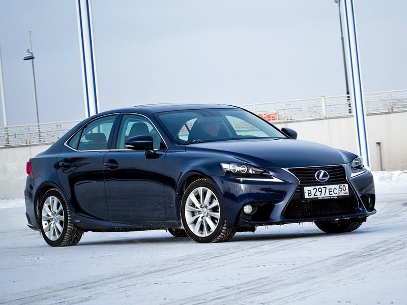 Lexus IS 2013 вид спереди