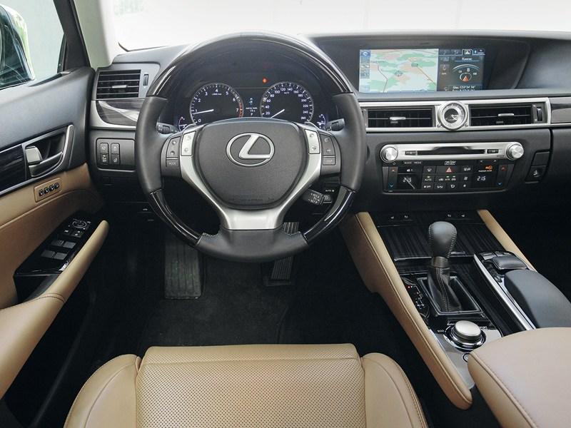 Lexus GS 2011 водительское место