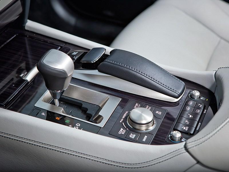 Lexus LS 600h L 2012 интерьер