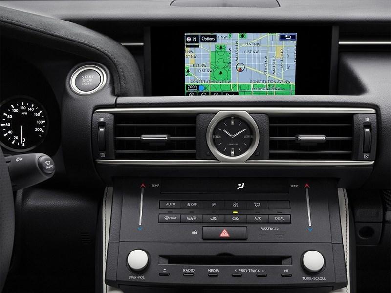 Lexus RC F 2014 центральная консоль
