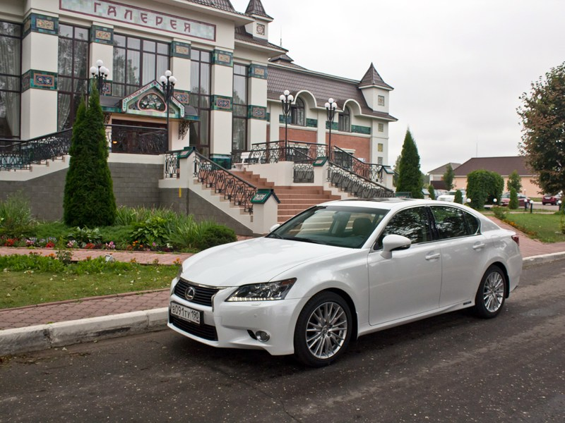 Lexus GS450h 2012 вид спереди