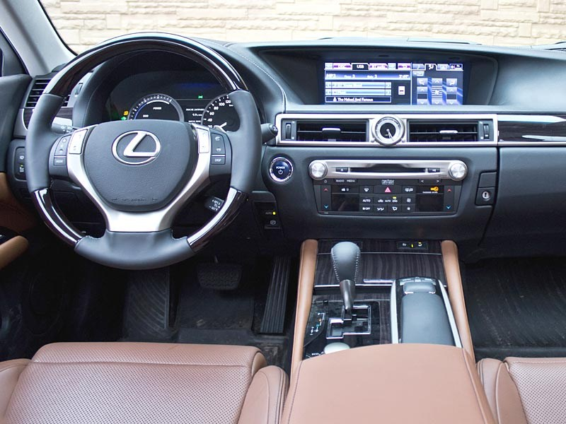 Lexus GS450h 2012 водительское место