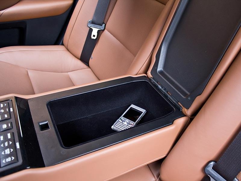 Lexus GS450h 2012 емкость для различных вещей