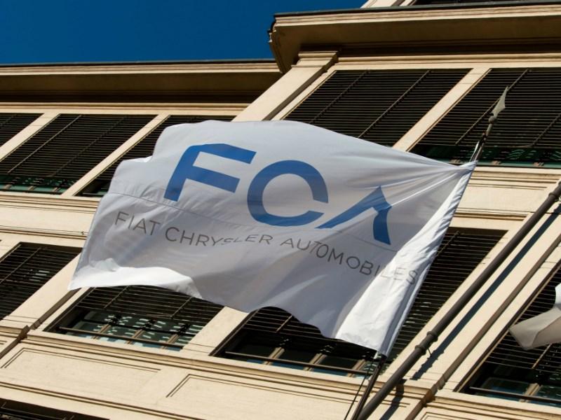 Российские продажи FCA Russia в сентябре сократились на 42 процента