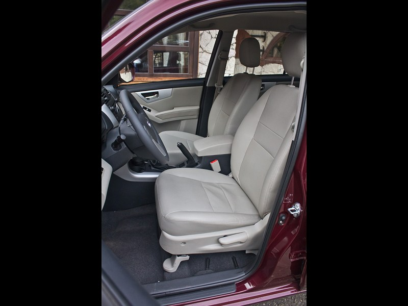 Lifan X60 2012 передние кресла