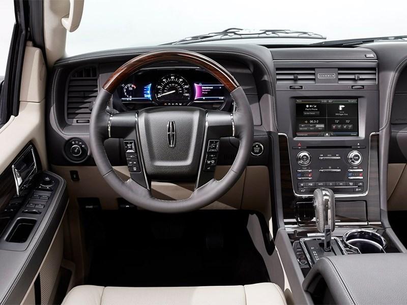 Lincoln Navigator 2014 водительское место