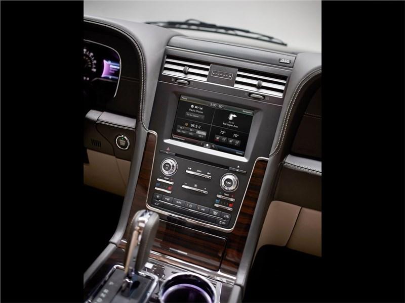 Lincoln Navigator 2014 центральная консоль