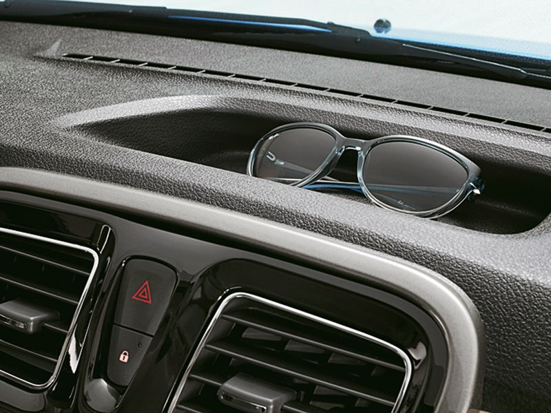 Renault Logan 2014 интерьер фото 2