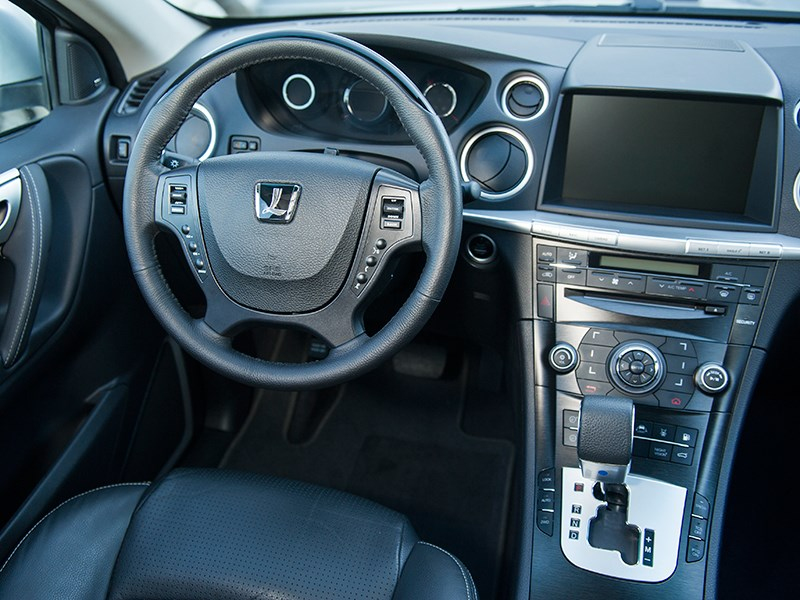 Luxgen 7 SUV 2012 водительское место