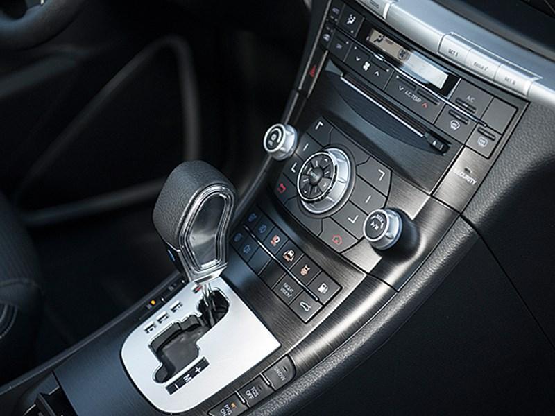 Luxgen 7 SUV 2012 центральная консоль