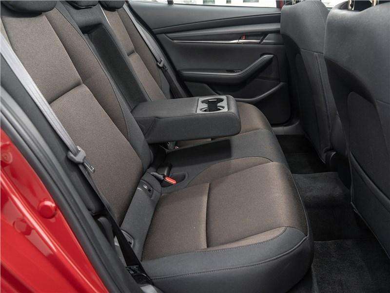 Mazda 3 2019 задний диван