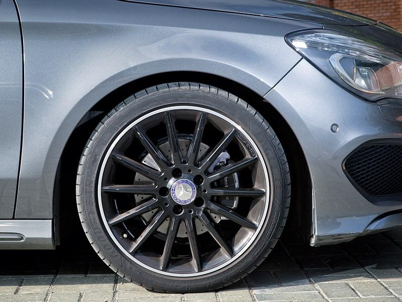 Mercedes-Benz CLA 200 2013 переднее колесо