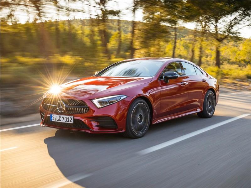 Mercedes-Benz CLS 2019 вид спереди сбоку