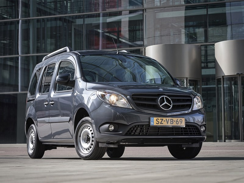 Новый Mercedes-Benz Citan - Mercedes-Benz Citan Crewbus 2014 вид спереди синий