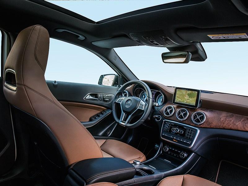 Mercedes-Benz GLA-klasse 2013 салон