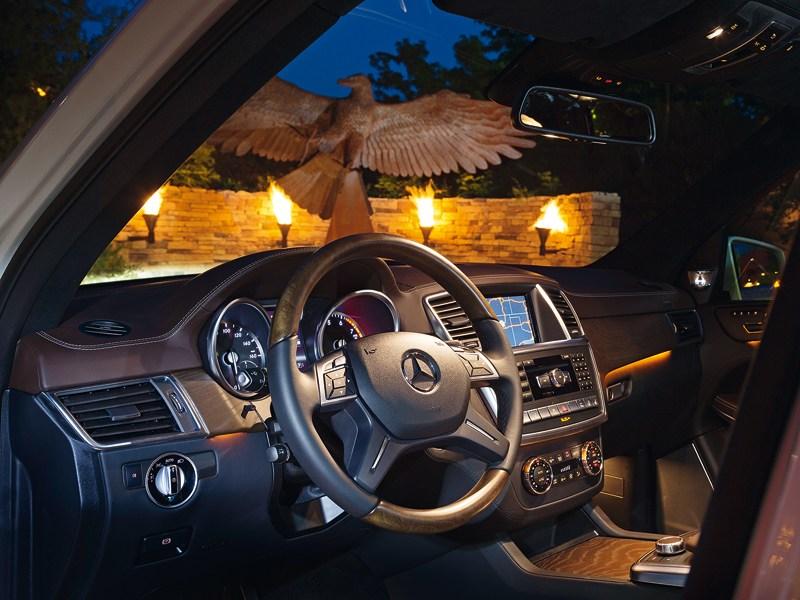 Mercedes-Benz GL-Klasse 2012 водительское место