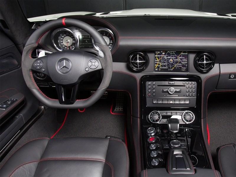 Mercedes-Benz SLS AMG GT 2013 водительское место