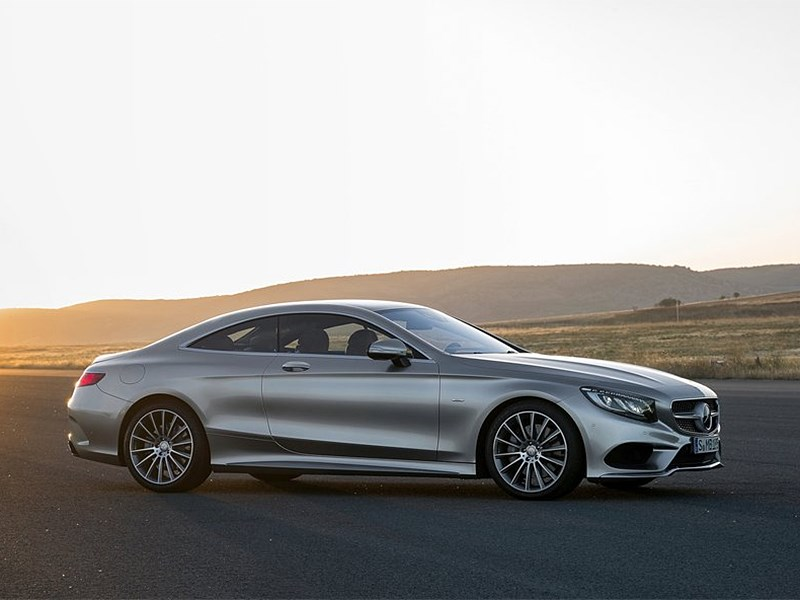 Mercedes-Benz S-Klasse Coupe 2014 вид сбоку фото 3