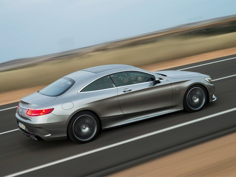 Mercedes-Benz S-Klasse Coupe 2014 вид сверху