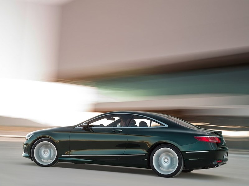 Mercedes-Benz S-Klasse Coupe 2014 вид сбоку сзади фото 2