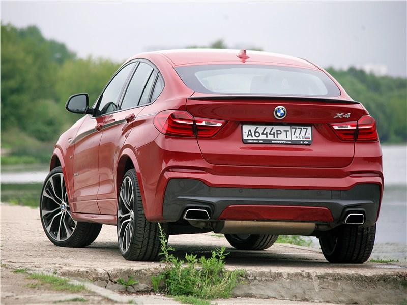 BMW X4 xDrive35i 2014 вид сзади