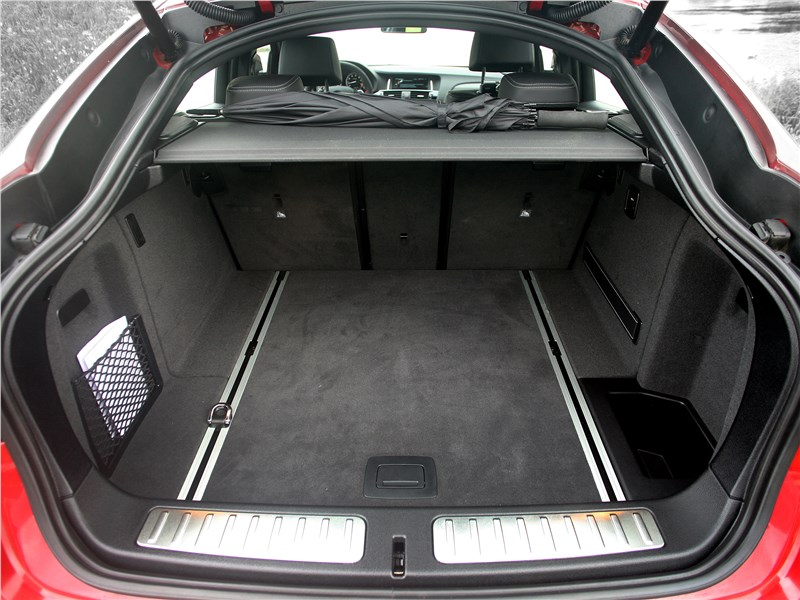 BMW X4 xDrive35i 2014 багажное отделение
