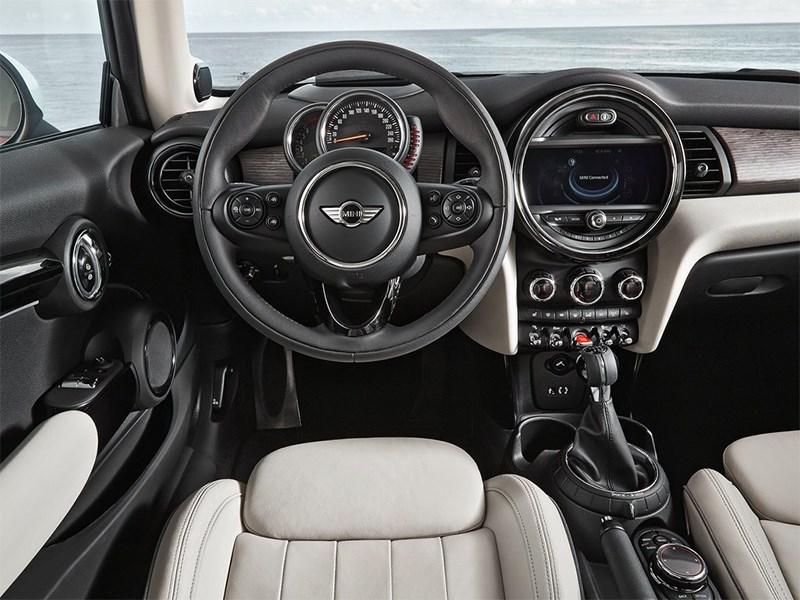Mini Cooper 2014 водительское место