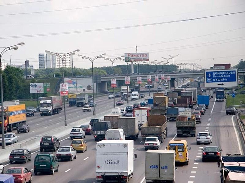 По МКАД запретят ездить грузовым машинам