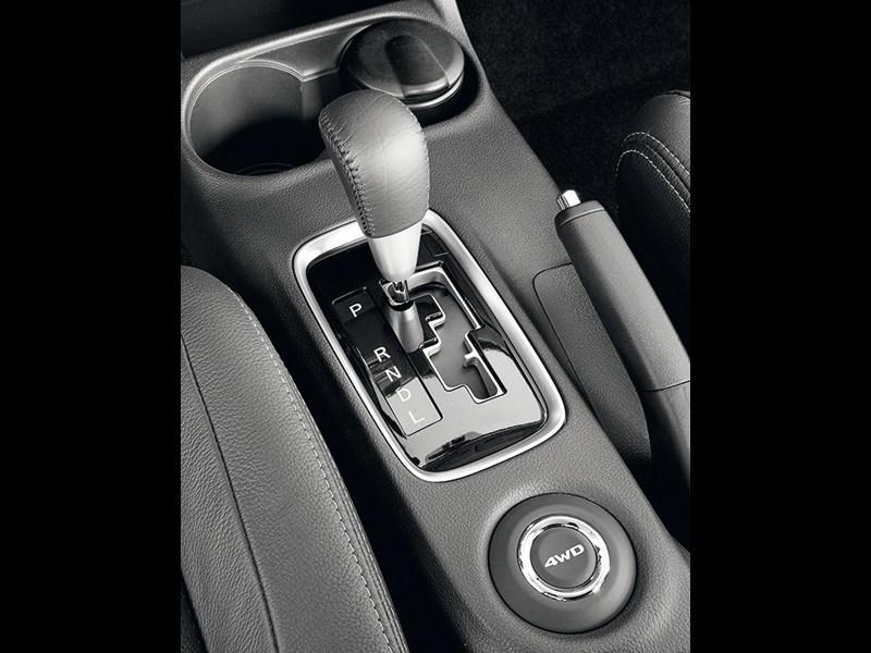 Mitsubishi Outlander 2012 вариатор