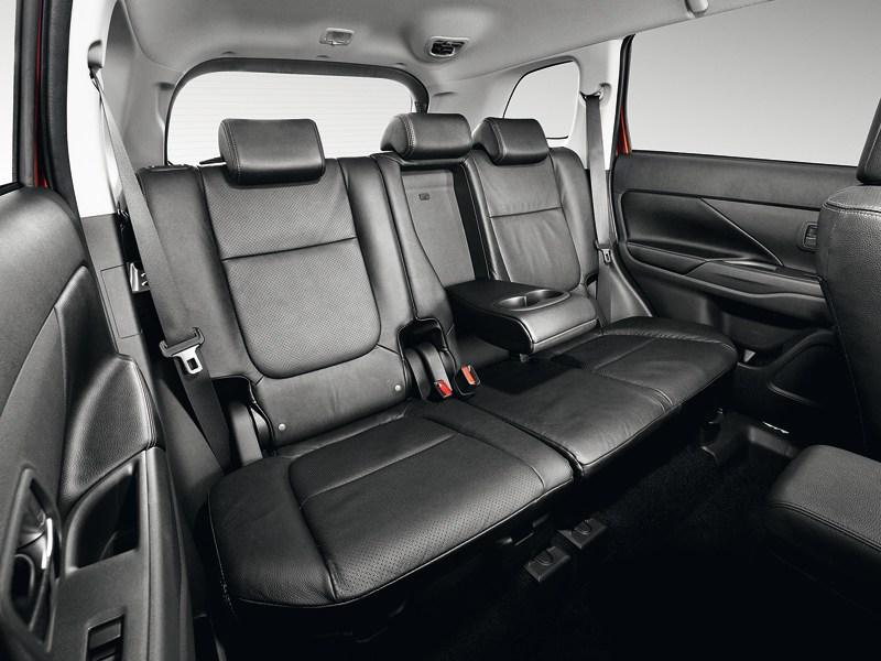 Mitsubishi Outlander 2012 задний диван