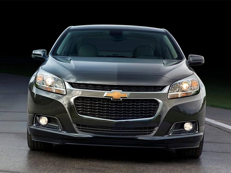 Chevrolet Malibu 2014 вид спереди