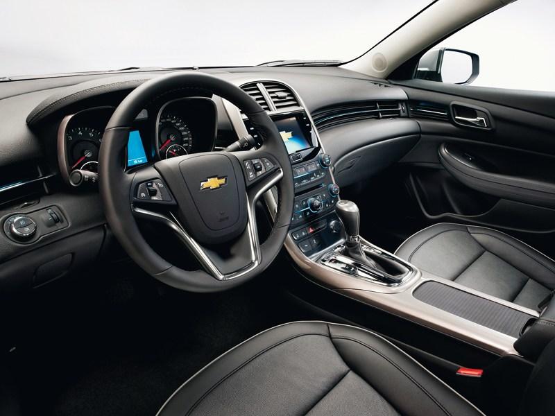 Chevrolet Malibu 2013 водительское место