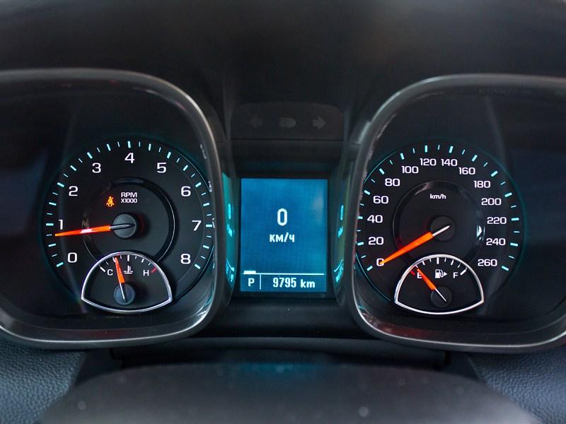 Chevrolet Malibu 2013 приборная панель