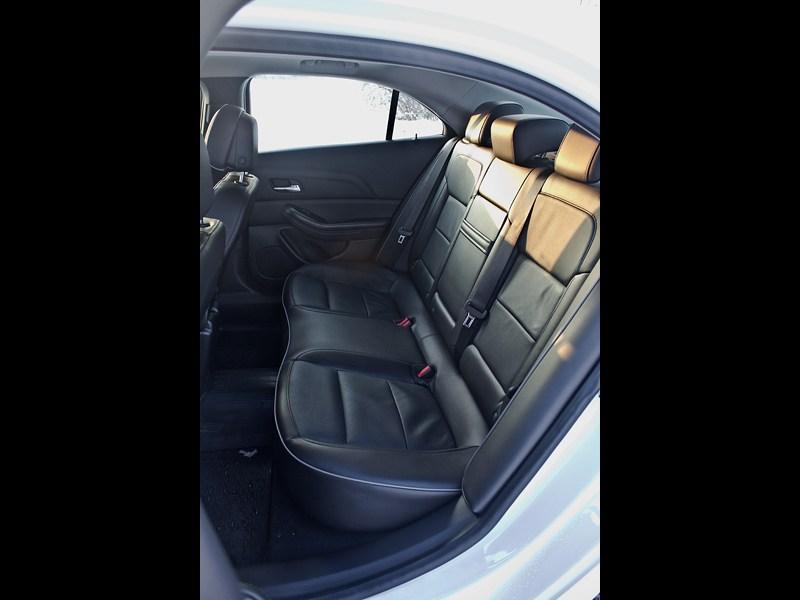 Chevrolet Malibu 2013 задний диван