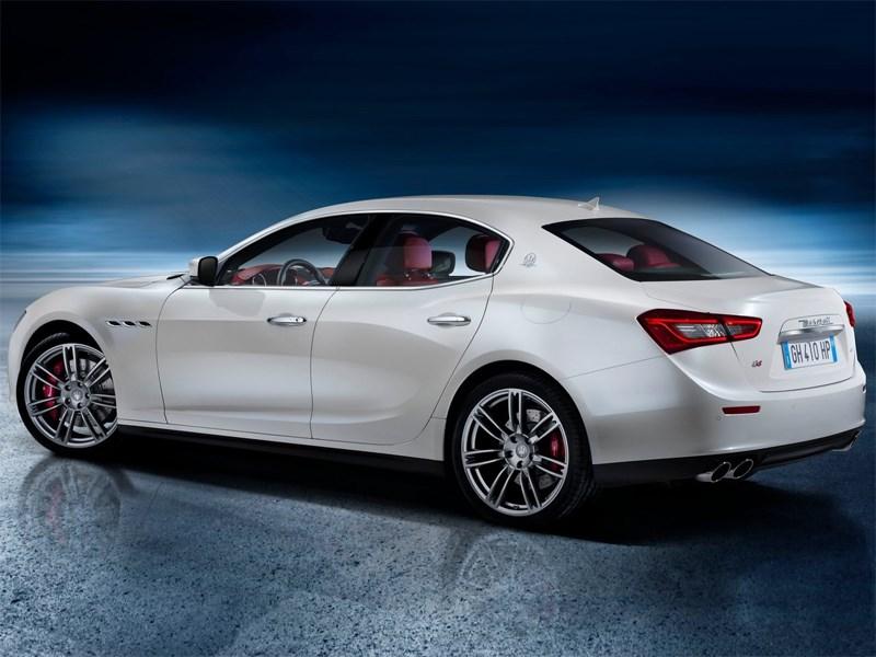 Maserati Ghibli 2014 вид сзади