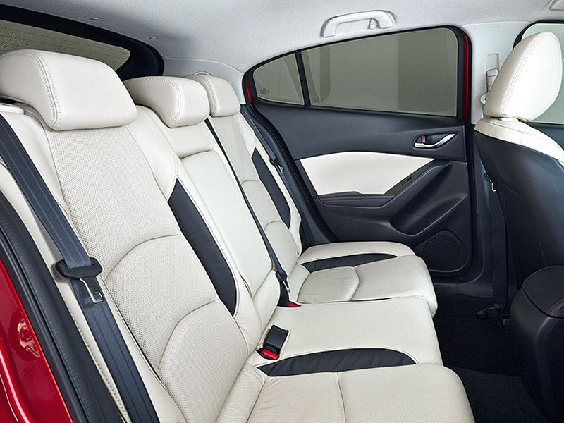 Mazda 3 2013 задний диван