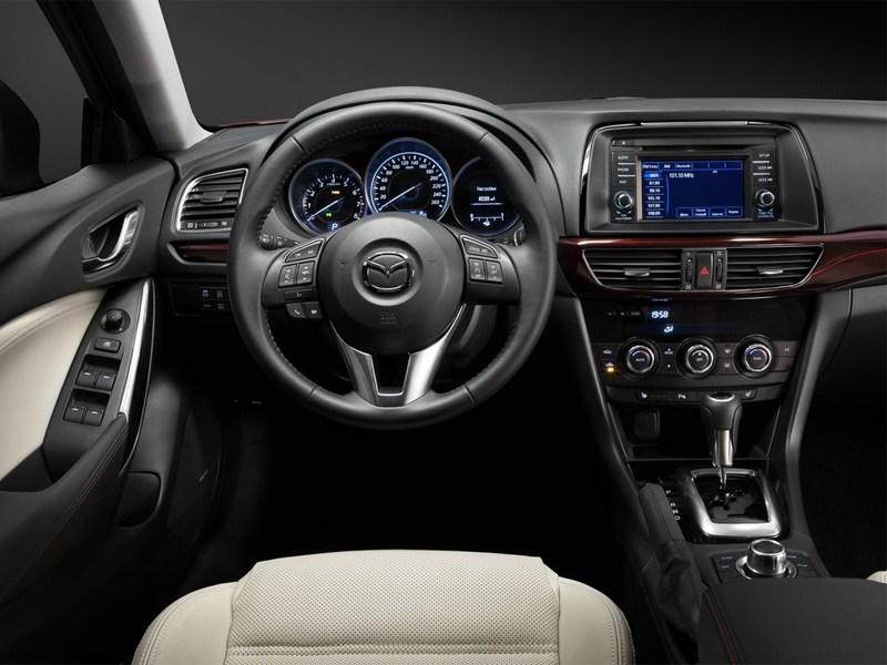 Mazda 6 2013 водительское место