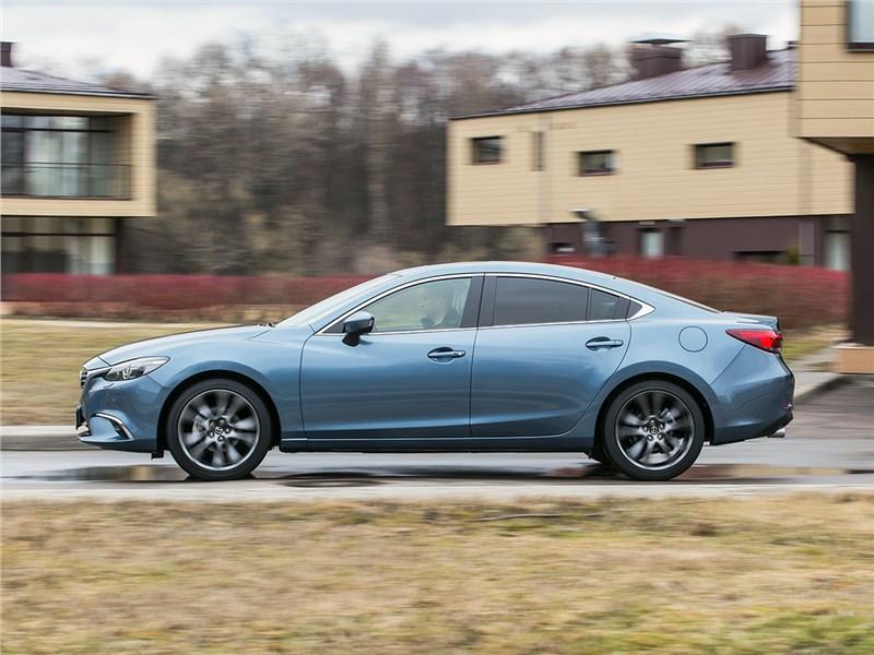Mazda 6 2016 вид сбоку