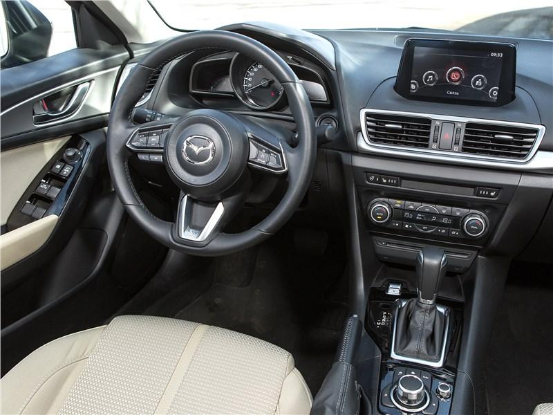 Mazda 3 2017 салон