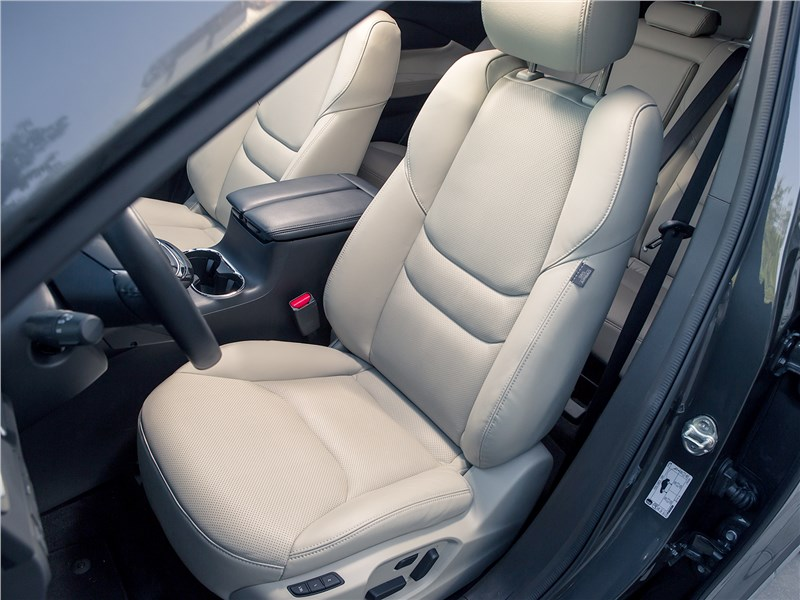 Mazda CX-9 2016 передние кресла