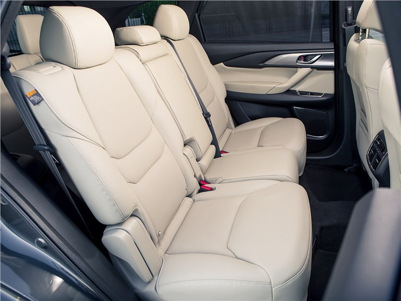 Mazda CX-9 2016 диван второго ряда