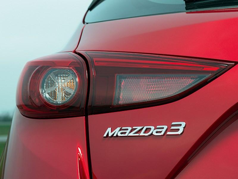 Mazda 3 2013 задний фонарь фото 1
