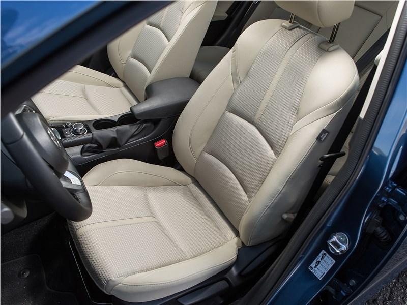 Mazda 3 2017 передние кресла