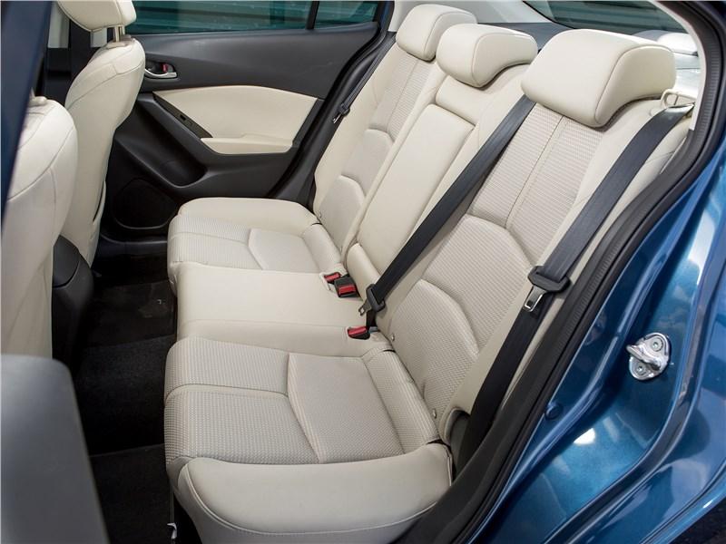 Mazda 3 2017 задний диван