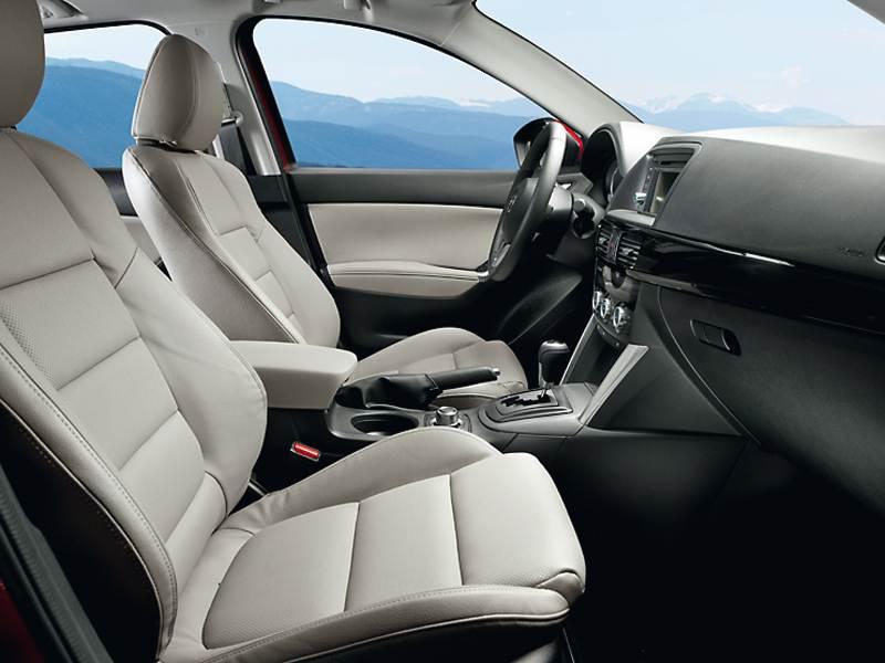 Mazda CX-5 2012 передние кресла