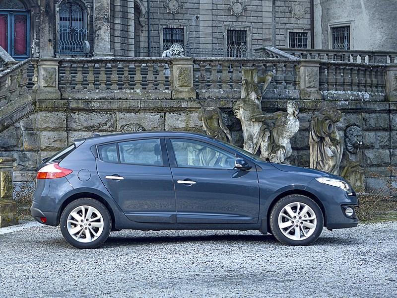 Renault Megane 2013 вид сбоку