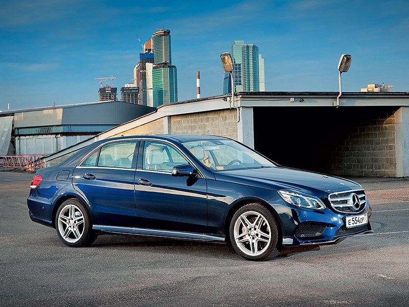 Mercedes-Benz E 350 4Matic 2013 вид спереди